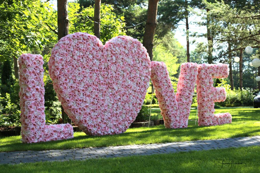 Napis kwiatowy LOVE Funny Flower 3